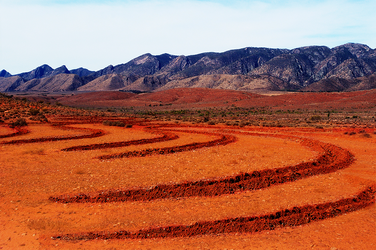 #048 Sacred Site, Australie, 2002, 31°19'57″S 138°31'0″E
