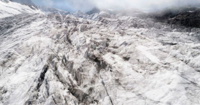 #01 Glaciers offset, 2017, photographie reconstruite à partir de bandes videos, réalisées sur le glacier des Follâts