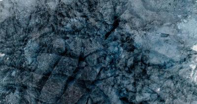 12 Glaciers offset, 2017, photographie reconstruite à partir de bandes videos, réalisées sur le glacier de Moiry