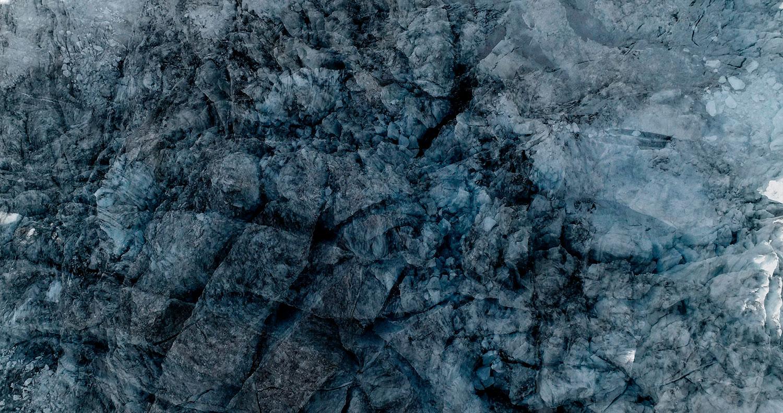12 Glaciers offset, 2017, photographie reconstruite à partir de bandes videos, réalisées sur le glacier de Moiry  12 Glaciers offset, 2017, photographie reconstruite à partir de bandes videos, réalisées sur le glacier de Moiry