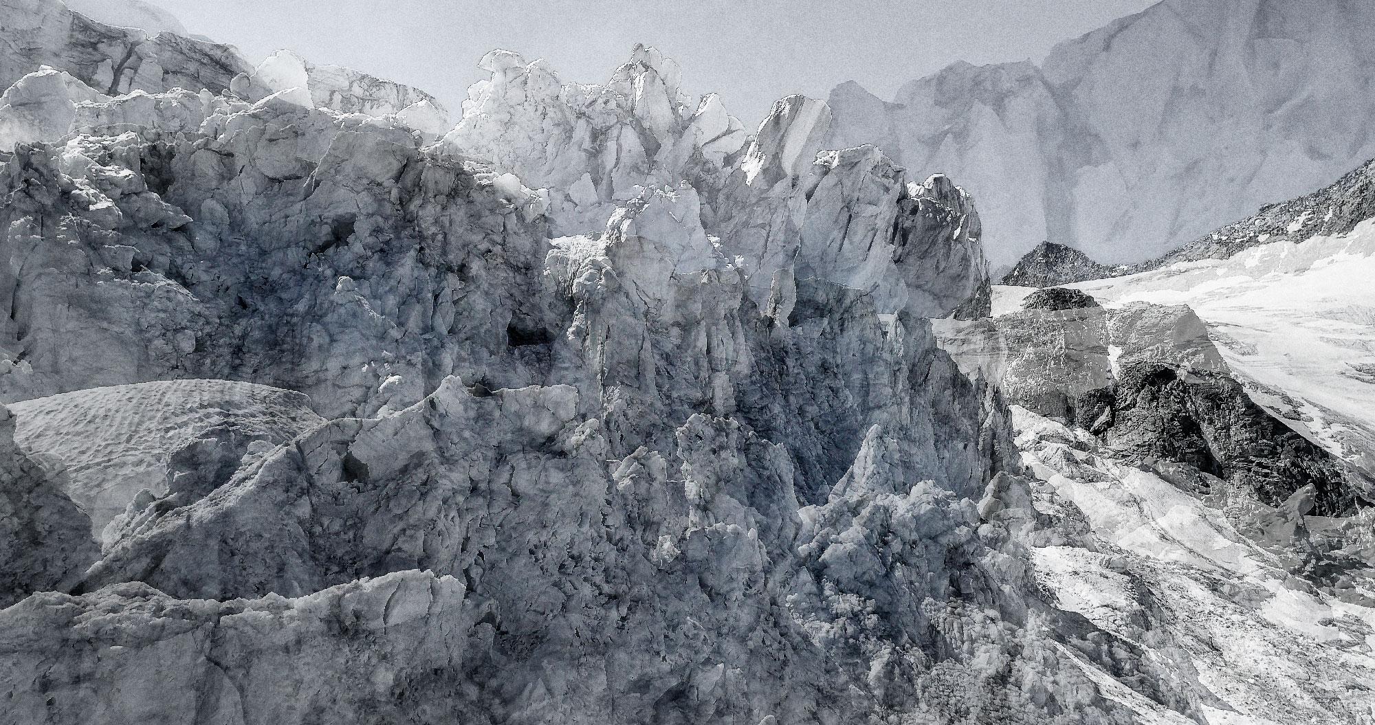 #124 Glaciers offset, 2017, photographie reconstruite à partir de bandes videos, réalisées sur le glacier de Moiry  #124 Glaciers offset, 2017, photographie reconstruite à partir de bandes videos, réalisées sur le glacier de Moiry