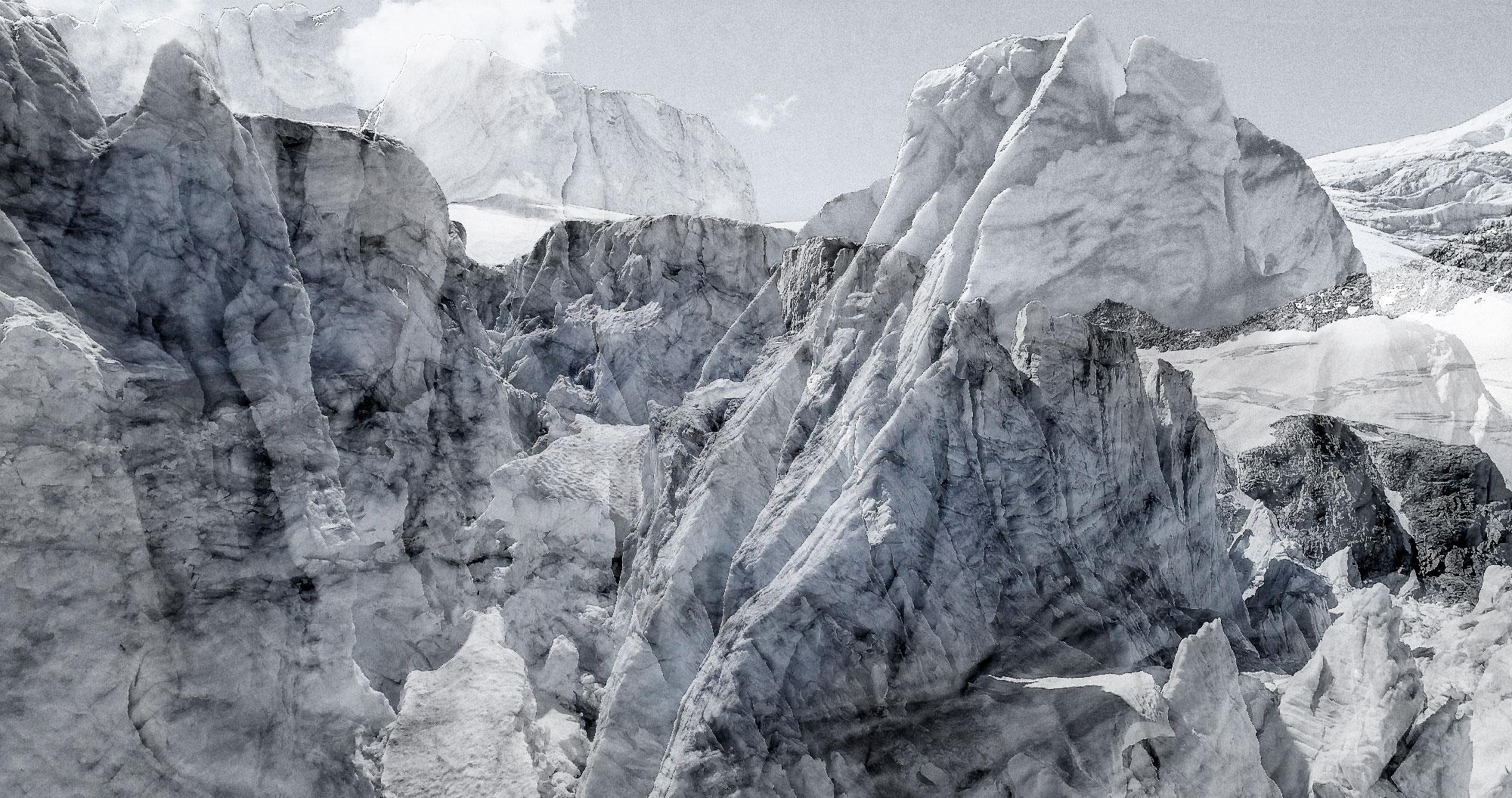 #127 Glaciers offset, 2017, photographie reconstruite à partir de bandes videos, réalisées sur le glacier de Moiry  #127 Glaciers offset, 2017, photographie reconstruite à partir de bandes videos, réalisées sur le glacier de Moiry