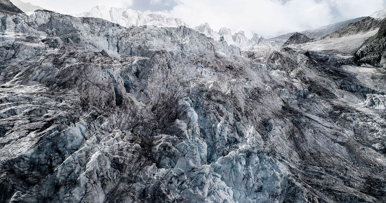 #13 Glaciers offset, 2017, photographie reconstruite à partir de bandes videos, réalisées sur le glacier de Moiry  #13 Glaciers offset, 2017, photographie reconstruite à partir de bandes videos, réalisées sur le glacier de Moiry
