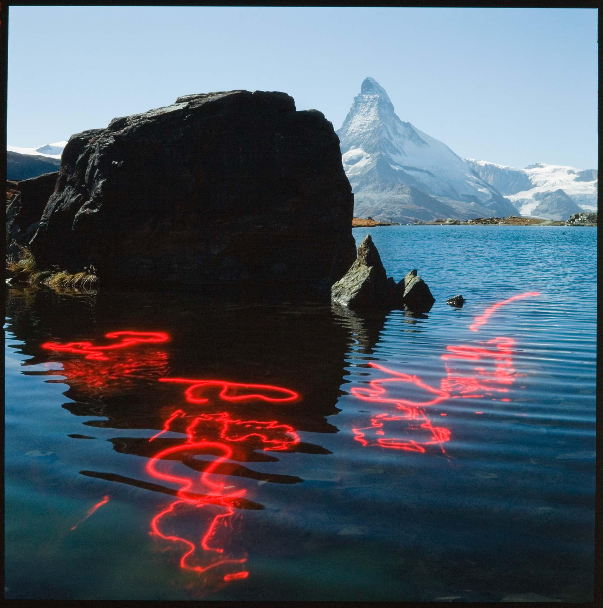 # 14 Graffiti rouges, 1984