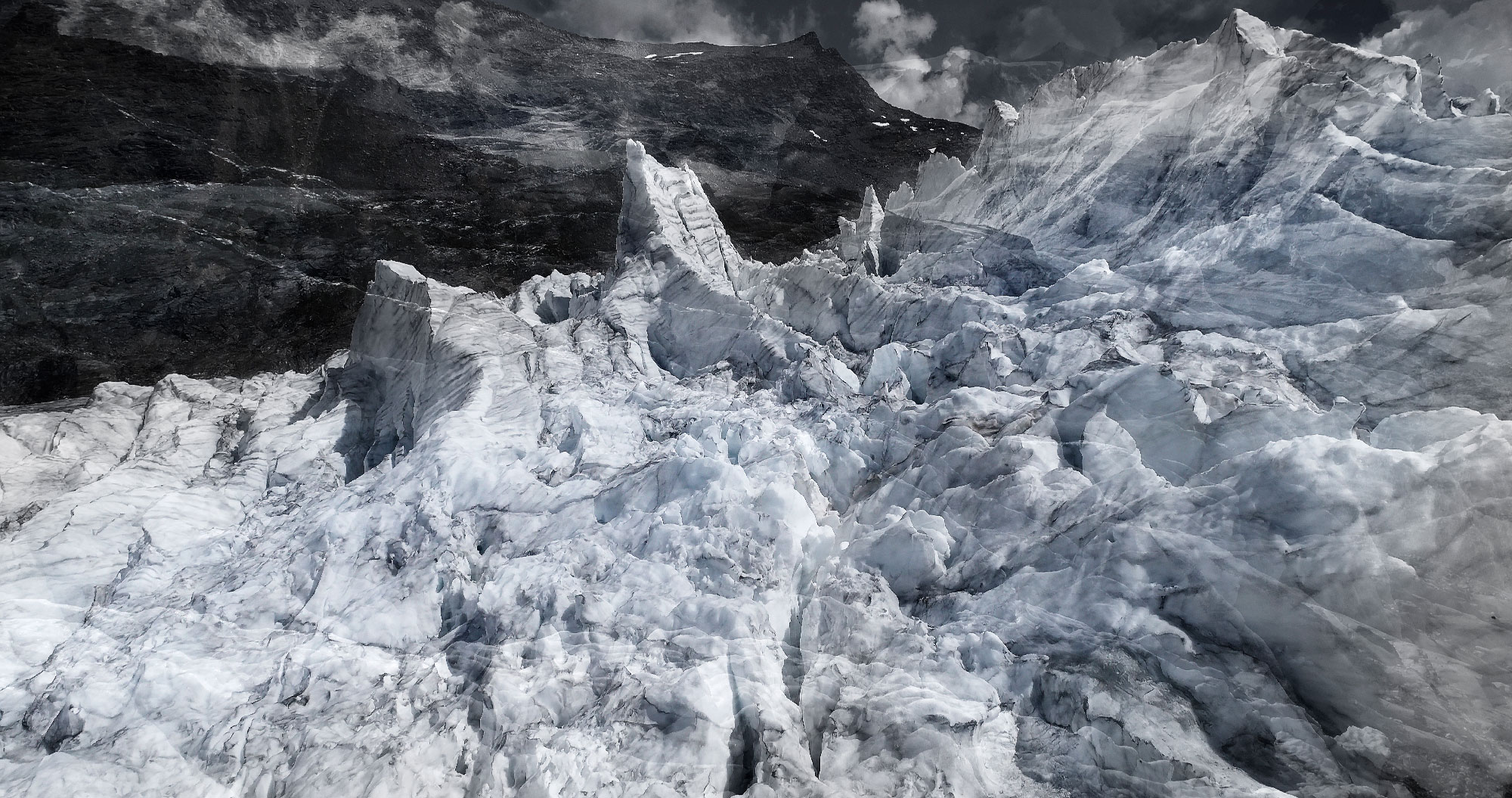 #140 Glaciers offset, 2017, photographie reconstruite à partir de bandes videos, réalisées sur le glacier Gornergletscher  #140 Glaciers offset, 2017, photographie reconstruite à partir de bandes videos, réalisées sur le glacier Gornergletscher