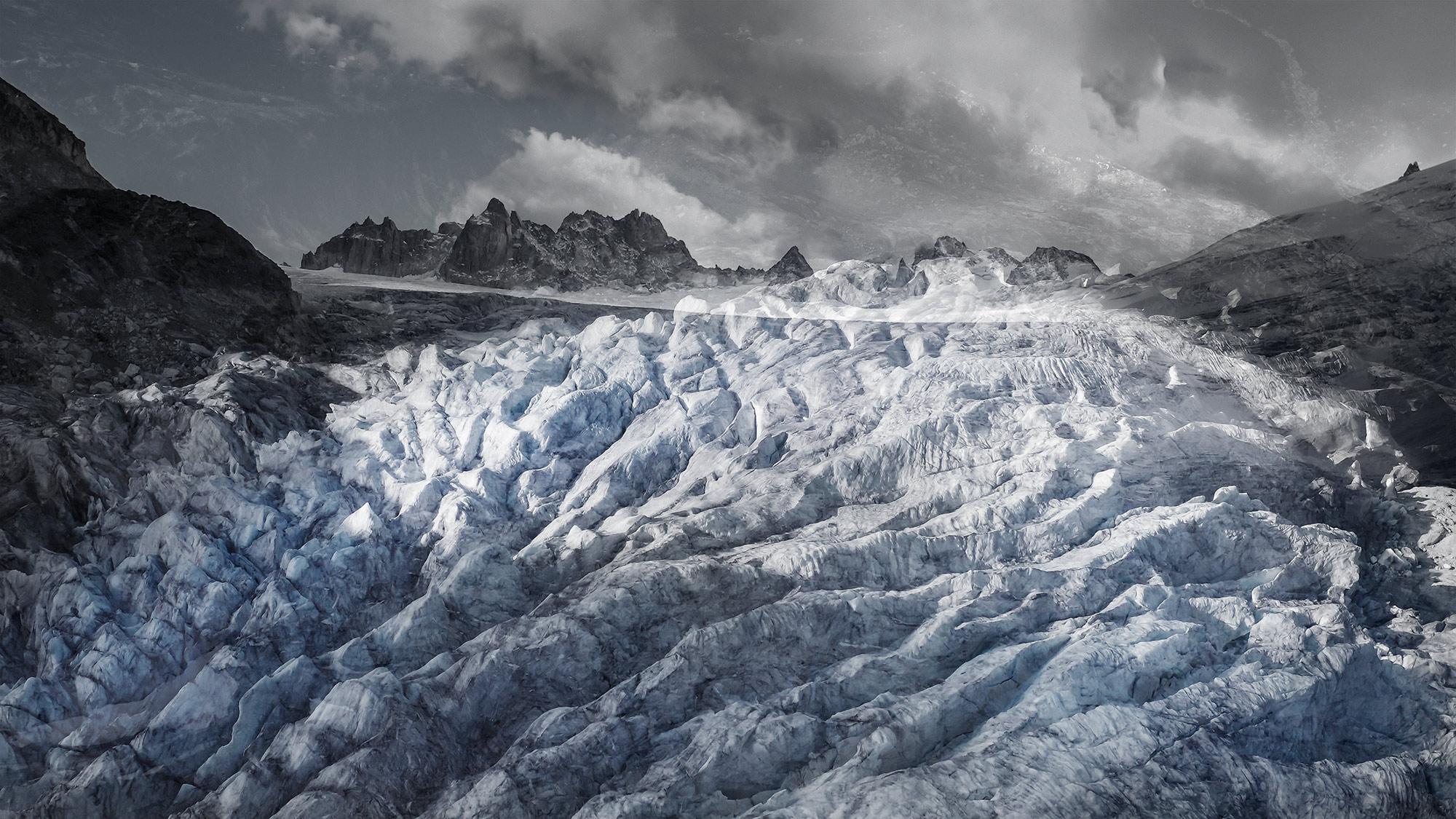 #165 Glaciers offset, 2019, photographie reconstruite à partir de bandes videos, réalisées sur le glacier du Trient