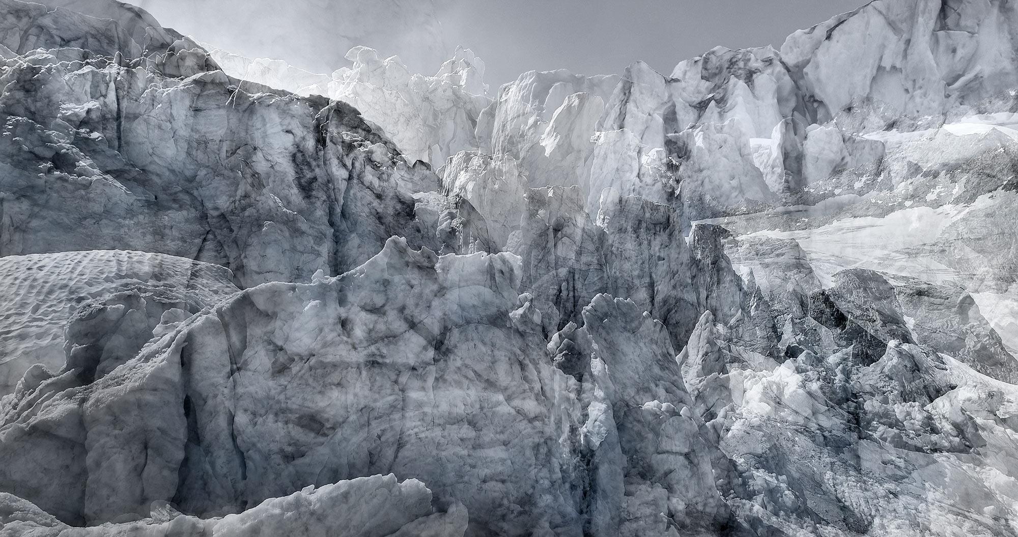 #170 Glaciers offset, 2019, photographie reconstruite à partir de bandes videos, réalisées sur le glacier de Moiry