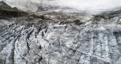 #31 Glaciers offset, 2017, photographie reconstruite à partir de bandes videos, réalisées sur le glacier du Rhône