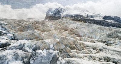 #33 Glaciers offset, 2017, photographie reconstruite à partir de bandes videos, réalisées sur le glacier Gornergletscher