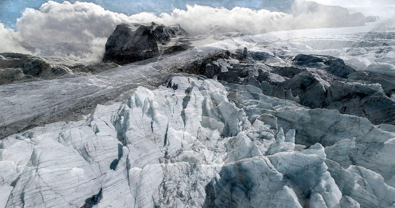 #06 Glaciers offset, 2017, photographie reconstruite à partir de bandes videos, réalisées sur le glacier Gornergletscher  #06 Glaciers offset, 2017, photographie reconstruite à partir de bandes videos, réalisées sur le glacier Gornergletscher