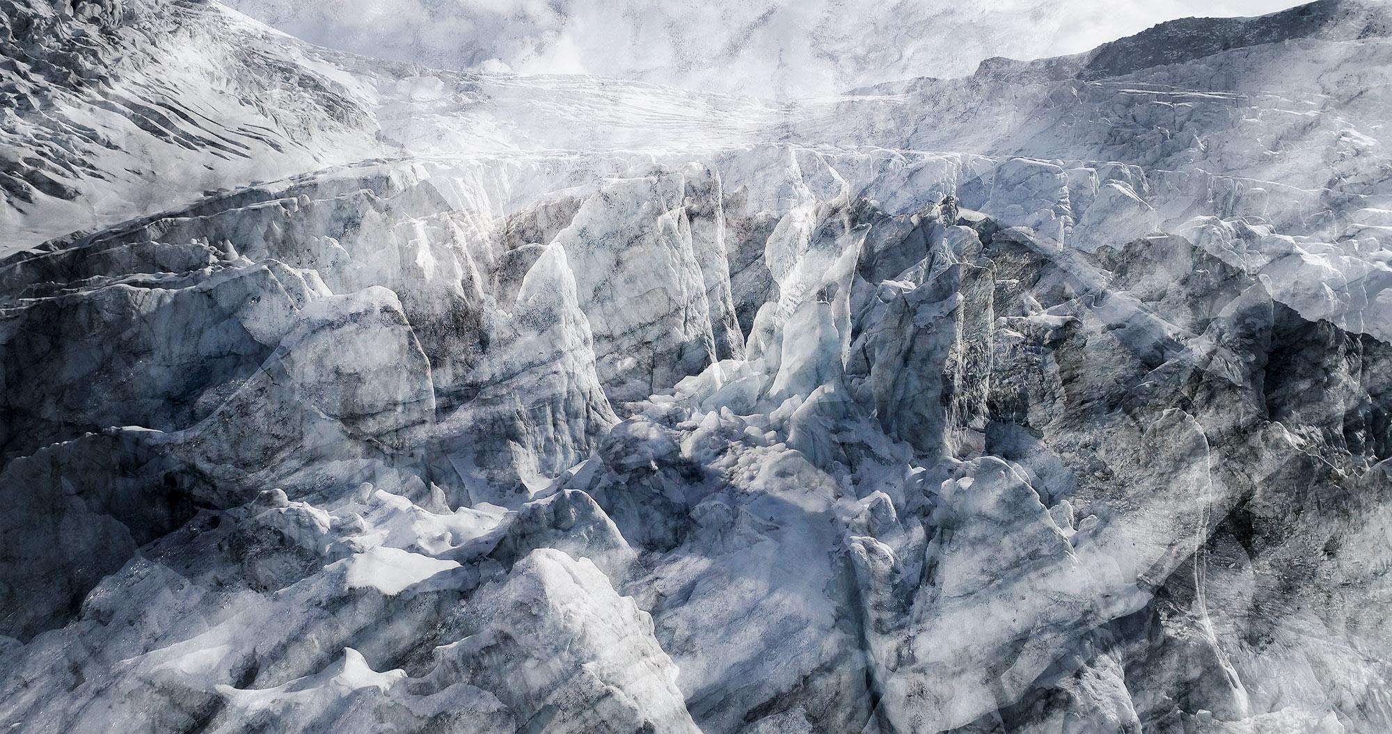 #60 Glaciers offset, 2017, photographie reconstruite à partir de bandes videos, réalisées sur les glaciers de Ferpècle, Trient,Moiry
