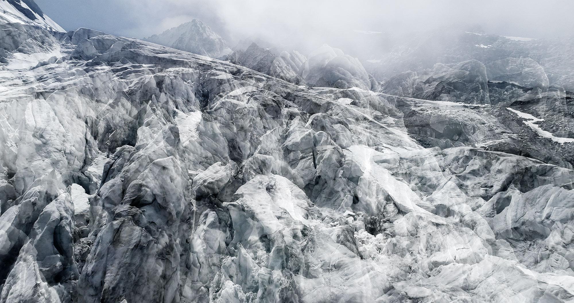 #70 Glaciers offset, 2017, photographie reconstruite à partir de bandes videos, réalisées sur les glaciers du Tour et des Follâts  #70 Glaciers offset, 2017, photographie reconstruite à partir de bandes videos, réalisées sur les glaciers du Tour et des Follâts