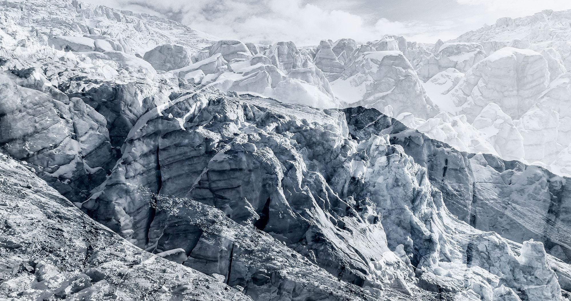 #84 Glaciers offset, 2017, photographie reconstruite à partir de bandes videos, réalisées sur les glaciers du Tour et de Ferpècle