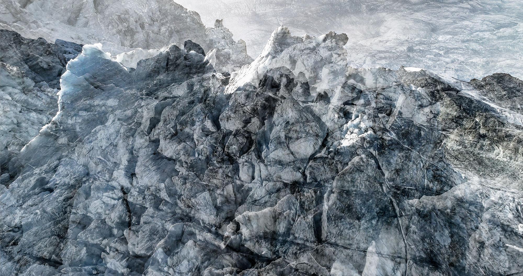 #89 Glaciers offset, 2017, photographie reconstruite à partir de bandes videos, réalisées sur le glacier de Moiry  #89 Glaciers offset, 2017, photographie reconstruite à partir de bandes videos, réalisées sur le glacier de Moiry